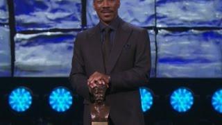 Murphy Makes Cosby Jokes at Award Ceremony