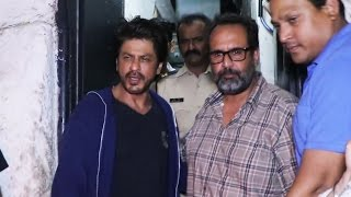 EXCLUSIVE - Shahrukh Khan With Anand L Rai SPOTTED At Olive Restaurant, Bandra