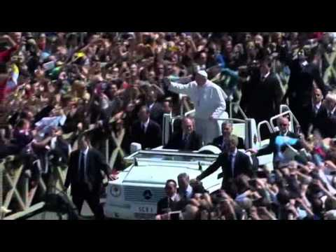 Raw- Pope Greets Easter Tourists on Popemobile News Video
