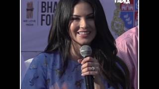 Sunny Leone's reaction on throwing waste outside homes