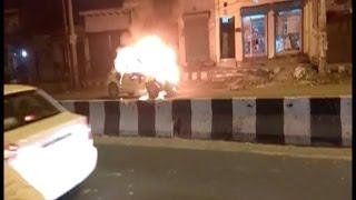 Video - अचानक ब्रेक लगाने के बाद आग का गोला बनी स्विफ्ट डिजायर कार