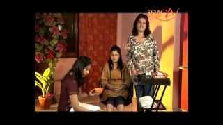 How To Make FOOT SCRUB At Home - PEDICURE At Home - Rajni Duggal (Beauty Expert)