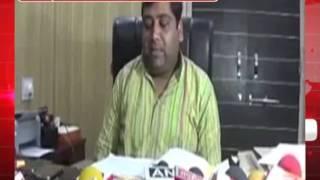 सपा नेता पीएम मोदी और मीडिया का विवादित पोस्टर जारी किया
