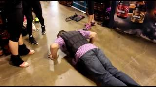 96 PUSHUPS in 55 seconds with 40lb WEIGHTS on! (Toronto Pro Show)
