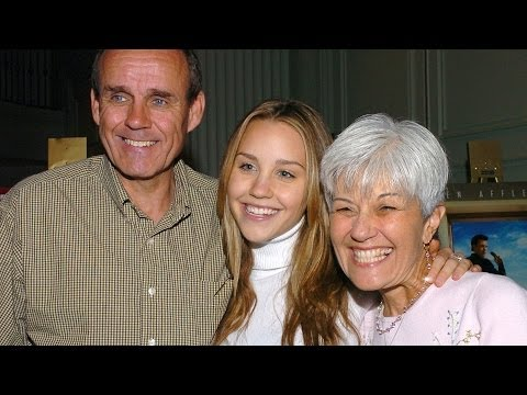 Why Amanda Bynes is Mad at Her Parents