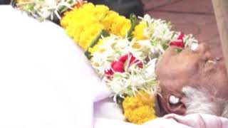 Naseeruddin Shah, Raveena Tandon at Veteran director Kundan Shah's Funeral