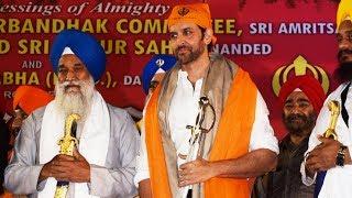Hrithik Roshan ATTENDS Celebrations Of Guru Gobind Singh Birth Anniversary