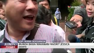 Ibunda Bawa Makanan Favorit Jessica