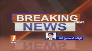 Road Mishap In Banjara Hills Road No 03 | Car Hits Divider Due To High Speed | Hyderabad | iNews