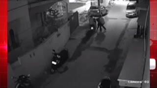 बेंगलुरु - निकम्मी पुलिस सो रही है , खुलेआम छेड़ी जा रही है लडकिया