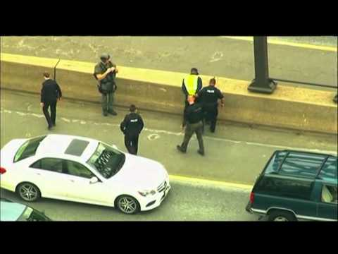 Raw- Bank Robbery Chase Shuts Down Md. Highway News Video