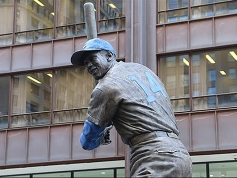 Ernie Banks Statue Erected in Chicago News Video