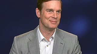 Peter Krause Explains Love Story in 'The Catch' News Video