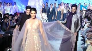 Jacqueline takes help from Arjun kapoor & Manish Malhotra on ramp - News Video