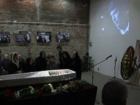 Raw- Mourners Pay Respects to Russia's Nemtsov News Video