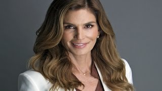 Cindy Crawford Talks Selfies and Tequila