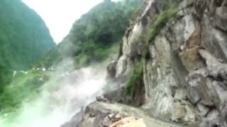 Caught on cam- Landslide blocks Gangotri highway