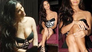 Poonam Pandey Creamt Hot Assets Show Openly
