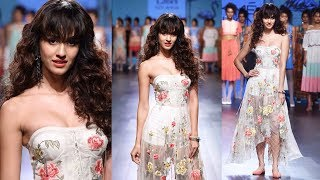 Showstopper Disha Patani WALKS The Ramp At Lakmé Fashion Week Summer Resort 2017