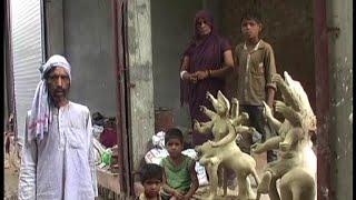 सपा नेताओं की दबंगई, दलित के घर पर किया कब्जा