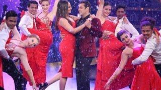 Sonakshi Sinha and Manish Paul on Bigg Boss 10