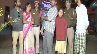दिल्ली - युवक की सरेराह ताबड़तोड़ चाकुओं से गोद कर हत्या