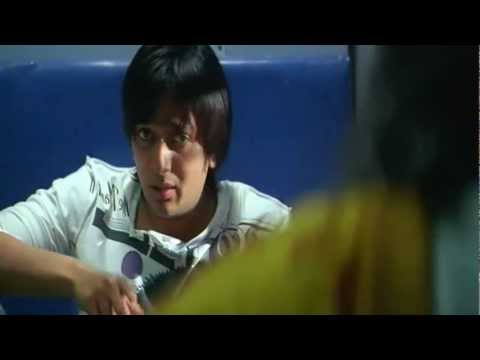 Apna Sapna Money Money - Funny Train Scene - Bollywood Movie Comedy Scene