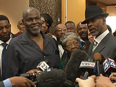 2 Men Free on Bond in 1999 Dallas Killing News Video