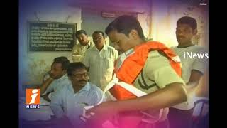 Tourists Upsets On Papikondalu Tourism Boats Stopped In Rajahmundry | iNews