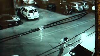 गुस्सैल दिल्ली - रोडरेज में बहस के बाद घर जाकर फूंक डाली फॉर्च्यूनर कार