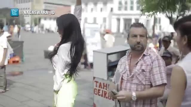 2Naga - Abang Bagi Duit (Official Music Video)