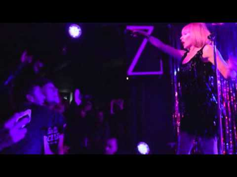 Kylie's Surprise London Gig News Video