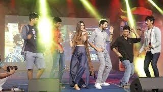Ayushmann & Kriti Sanon At Umang Festival 2017 | Bareilly Ki Barfi Promotion