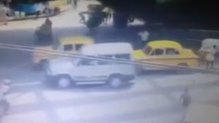Raw- Camera Captures Overpass Collapse in India - News Video