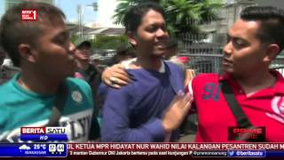 Massa Front Pancasila Demo Simposium Membedah Tragedi 1965