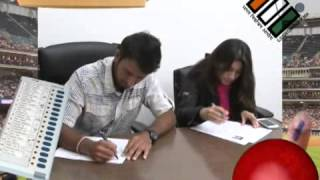 Cheteshwar Pujara registers to Vote (Gujarat)
