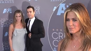 Jennifer Aniston Cuddles Up To Her Beau Justin Theroux At 2016 Critics' Choice Awards Video