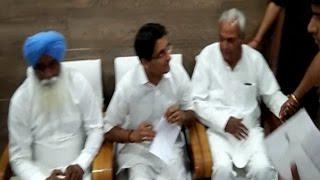 'देशभर के विपक्षी नेताओं पर FIR करवा रही BJP'- बदले की भावना नहीं तो क्या है?