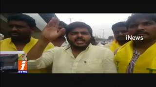 TNSF Leaders Protest as Plants Paddy Crop in Damaged Roads | Hyderabad | iNews