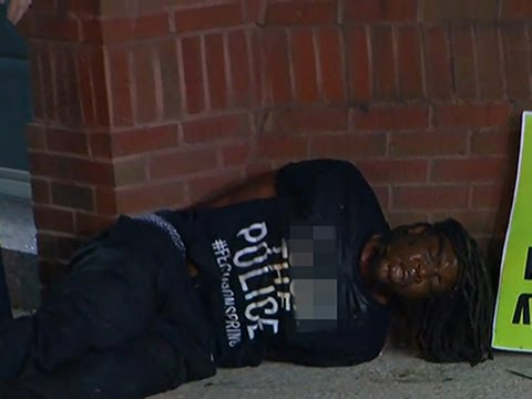 Raw- Man Pepper-Sprayed, Detained in Baltimore News Video