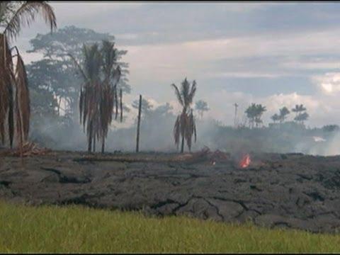Raw- Lava Near Homes on Hawaii's Big Island News Video